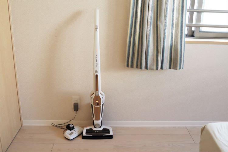 掃除機を部屋に置いているイメージ