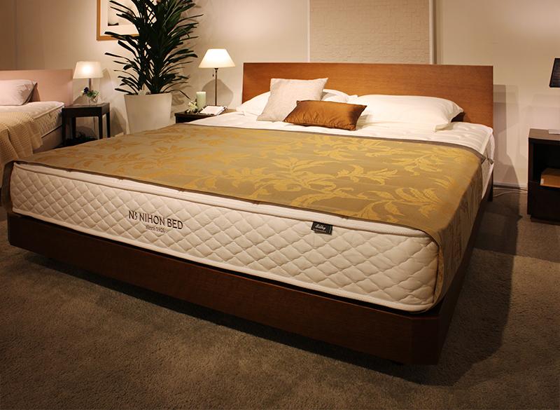 キングサイズのベッド(マットレス)