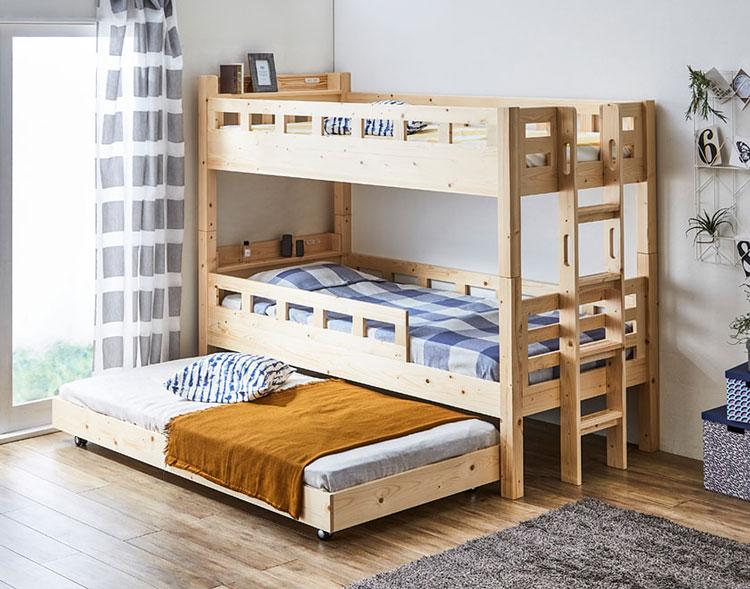 下段が親子ベッドタイプの三段ベッド