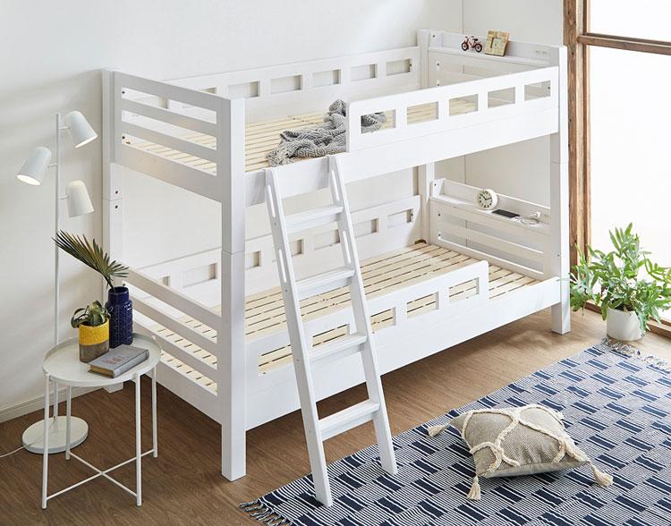 シンプルデザインの二段ベッド