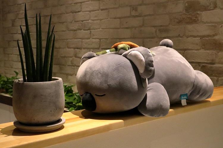コアラの抱き枕