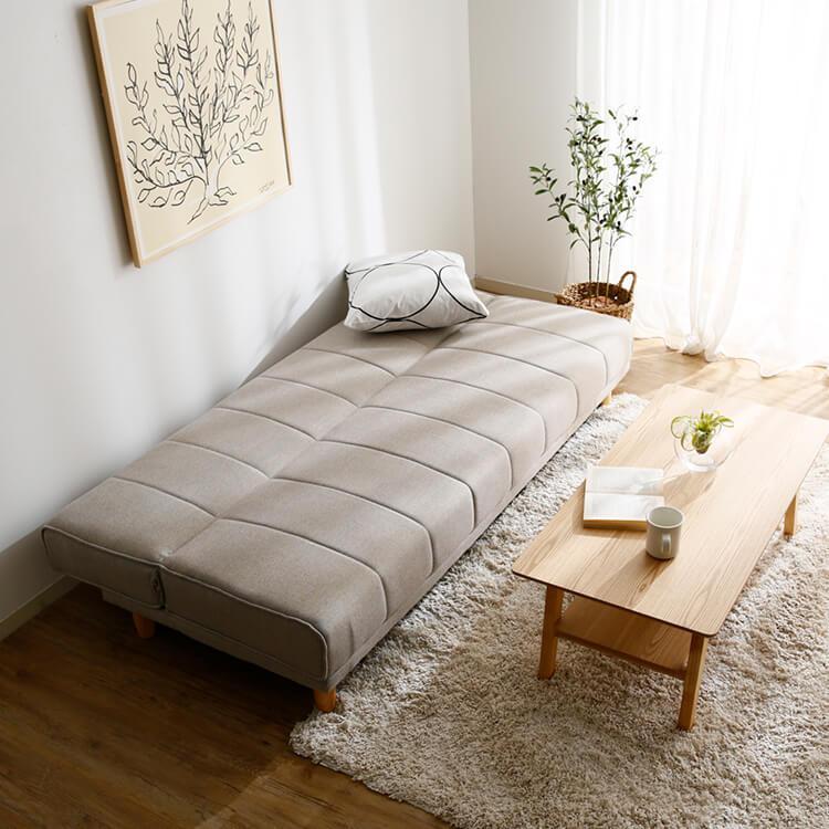 背もたれを倒してベッドになるソファーベッド