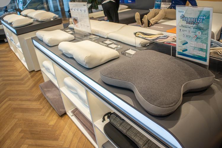 豊富な種類の枕