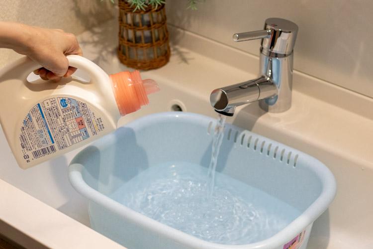 洗剤液を作るところ