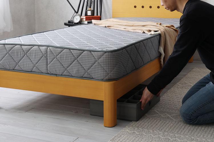 ベッド下のスペース