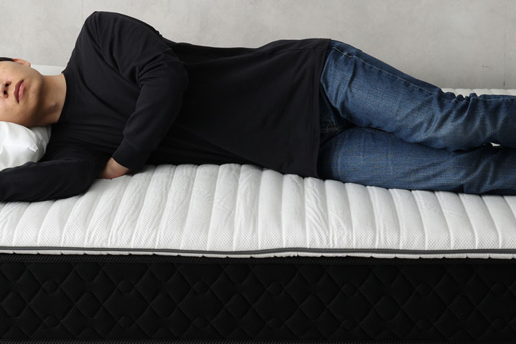 肩部分はマットレスの寝心地を受けやすい
