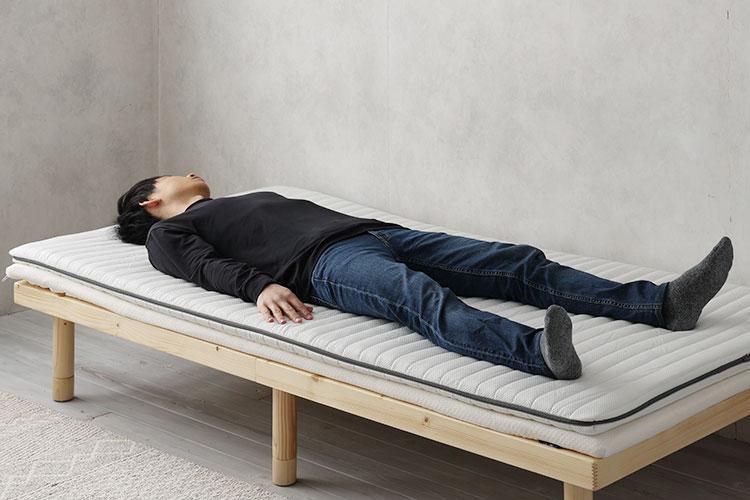 硬めのウレタンマットレス+トッパー(仰向き寝)