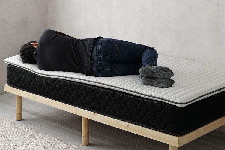 硬めのスプリングコイルマットレス+トッパー(横向き寝)