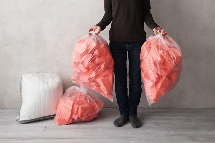 ウレタンフォームは家庭ゴミで捨てられる(画像は別商品)
