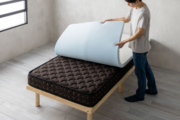 マットレストッパー(寝心地を調整する寝具)
