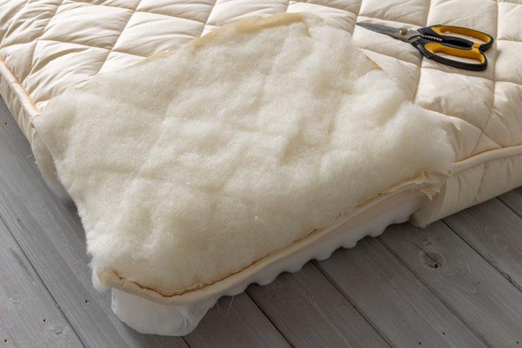 詰め物の羊毛